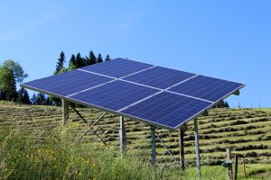What are the Benefits of Using Ground-Mounted Solar Panels?